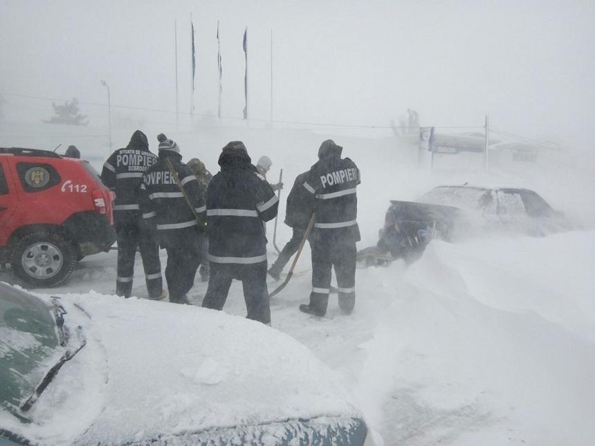 Ambulanţa şi SMURD au intervenit la peste 9.000 de cazuri de urgenţă, în localităţile afectate de ninsori şi ger