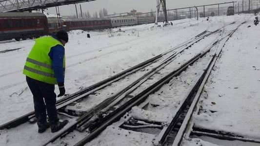 Şapte trenuri au fost anulate din cauza viscolului