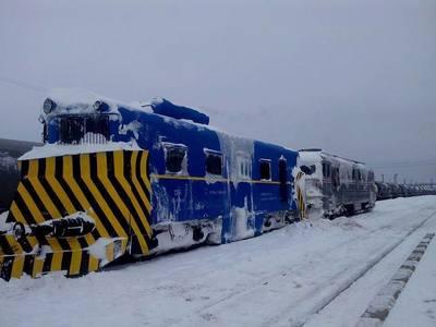CFR Călători a mai anulat 10 trenuri din cauza viscolului. Numărul total a ajuns la 56