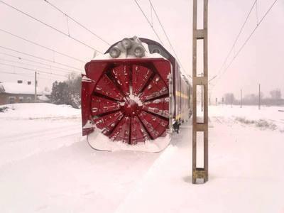 CFR Călători a anulat 30 trenuri, joi, din cauza viscolului