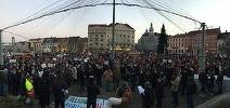 Numărul manifestanţilor la protestul de la Cluj a depăşit cinci mii de persoane, iar acţiunea continuă