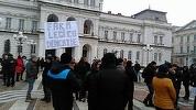 Zeci de mii de oameni protestează în mai multe oraşe. La Cluj sunt peste 5.000 de manifestanţi, iar la Sibiu şi Iaşi 2.000 de oameni - FOTO, VIDEO