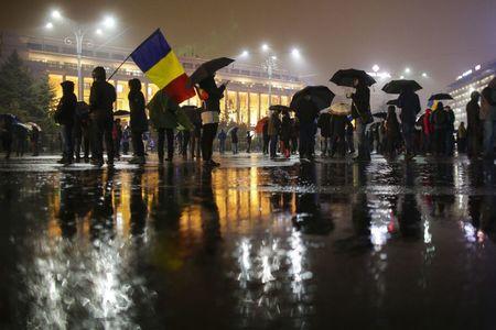 Peste 100 de oameni în Piaţa Victoriei, în a 23-a zi de manifestaţii. Protestul de la Cotroceni s-a încheiat