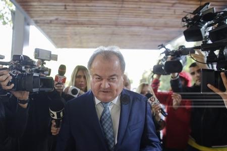 DNA: Blaga, urmărit penal alături de Gheorghe Ştefan, a primit 700.000 de euro