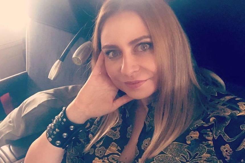 Creatoarea de modă Adina Buzatu, dusă la audieri la Parchetul Curţii de Apel Ploieşti, în dosarul de evaziune şi spălare de bani - VIDEO