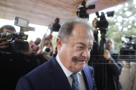 Instanţa supremă judecă, marţi, cererea lui Vasile Blaga de ridicare a controlului judiciar