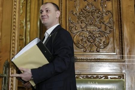 Instanţa supremă judecă marţi contestaţia lui Sebastian Ghiţă la măsura arestării preventive în lipsă, termenul iniţial era 16 ianuarie