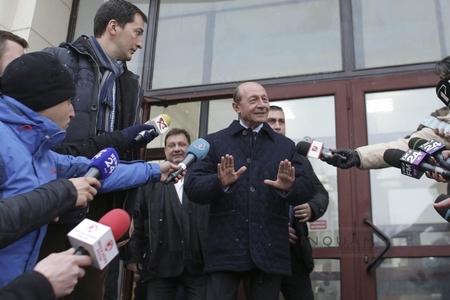 Băsescu, la ieşirea de la Parchetul instanţei supreme: Scoateţi-vă din minte gândirea că vreodată m-am ocupat de vreun dosar