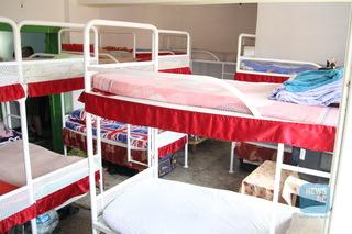 ANP: Indicele de ocupare a penitenciarelor, 145 la sută; 1.625 de deţinuţi au pedepse de până la cinci ani; 856 au peste 60 de ani; 26 sunt diagnosticaţi cu boli incurabile în fază terminală