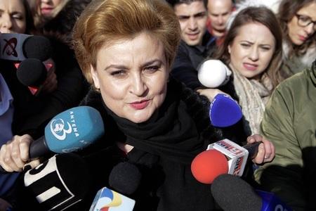 Ministrul Graţiela Gavrilescu, audiată la DNA timp de aproximativ două ore,  în dosarul privind elaborarea OUG 13: Ce am avut de declarat, am declarat la forurile competente