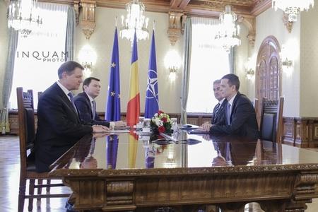 Întâlnirea dintre preşedintele Iohannis şi premierul Grindeanu, pe tema măsurilor Guvernului, a început. VIDEO