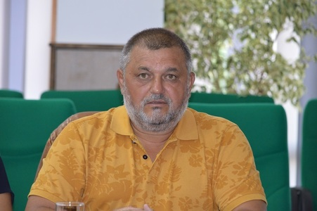 Propunerile unui deputat PMP: Temperatura în plen să fie coborâtă pentru a face economie, iar banii în plus să meargă la SRI şi DNA pentru a avea un procuror pentru fiecare parlamentar