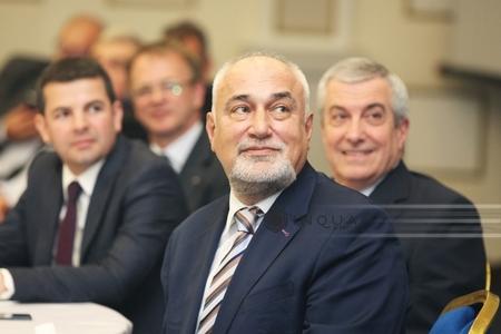Vosganian: Am cerut Ministerului de Finanţe şi ANAF să facă o evaluare a veniturilor şi impozitelor plătite de Klaus Iohannis