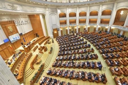 Parlamentul a dat aviz favorabil în unanimitate pentru referendumul declanşat de preşedinte pe tema justiţiei
