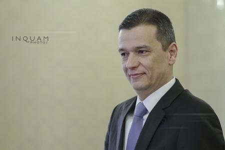Guvernul anunţă că premierul va merge marţi la Palatul Cotroceni, la discuţiile solicitate de preşedinte pe tema bugetului de stat