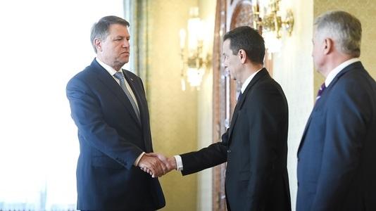 Întâlnirea dintre preşedintele Iohannis şi premierul Sorin Grindeanu pe tema legii bugetului a început. VIDEO