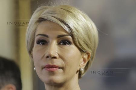 Turcan: L-am văzut pe Dragnea precum Ceauşescu de la balcon promiţând salarii mărite primarilor. Să voteze amendamentele PNL