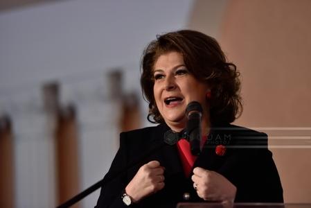 BIOGRAFIE: Rovana Plumb, a treia oară ministru. În campania pentru parlamentare ea a luat un credit de 63.000 lei, sumă cu care a împrumutat PSD