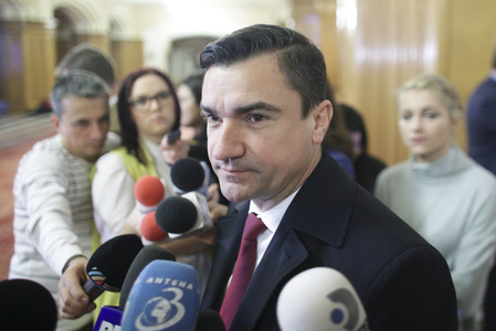 Chirica: S-a spus în şedinţă că am adus manifestanţi cu autobuzele în Piaţa Unirii. Sunt jenante aceste declaraţii, nişte aberaţii