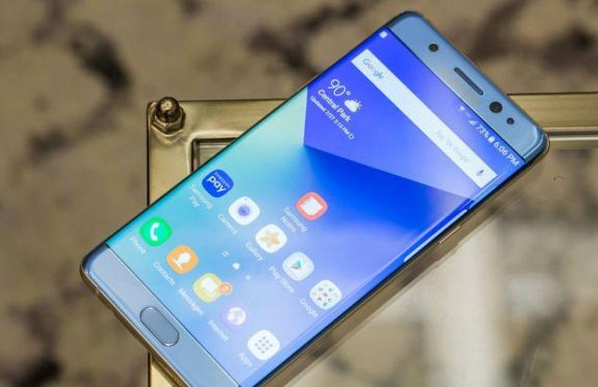 Samsung a suspendat producţia de Galaxy Note 7, după ce şi noile baterii par predispuse să ia foc
