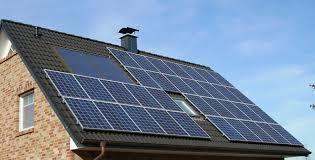 STUDIU: Aproape jumătate din români ar prefera să-şi încălzească locuinţele cu energie solară
