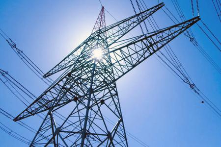 Asociaţie: Scumpirile energiei pe piaţa spot nu se vor reflecta în facturile populaţiei