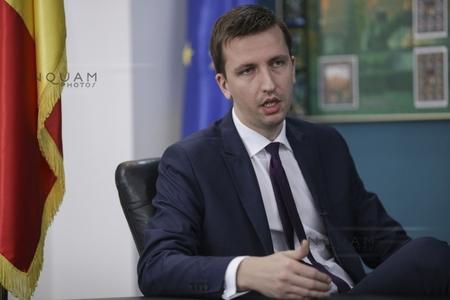 Ministrul Comunicaţiilor: Studiile de fezabilitate ale eRomania şi eAcademie au fost profund viciate, fără a ţine cont de cererea din piaţă