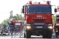 Timiş: O femeie de aproximativ 70 de ani, găsită carbonizată de pompieri în locuinţa cuprinsă de flăcări