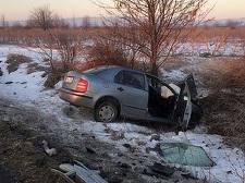 Patru persoane au fost rănite, două fiind în stare critică, în urma unui accident produs pe DN 2, în Vrancea