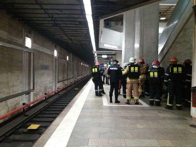 Incendiul de la metrou a fost stins, staţia Universitate a fost redeschisă traficului