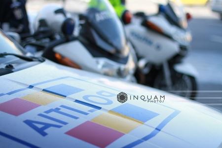 Satu Mare: Şofer bătut de o poliţistă după ce i-ar fi spus acesteia că seamănă cu Elena Udrea; Parchetul de pe lângă Judecătoria Carei face anchetă pentru purtare abuzivă