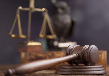 Fost primar al unei comune vâlcene, audiat într-un dosar de abuz în serviciu şi delapidare pentru că ar fi încheiat preferenţial contracte între Primărie şi o firmă