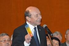 """Băsescu, întrebat dacă va depune jurământul pentru a deveni cetăţean al Republicii Moldova: """"Să vedem"""""""