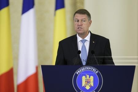 Iohannis: NATO trebuie să reflecteze la relaţia cu Rusia. Sancţiunile vor rămâne până la respectarea angajamentelor