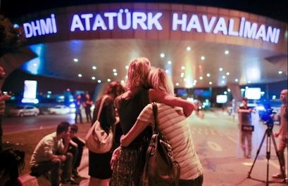 Cum au reuşit teroriştii să atace aeroportul Ataturk din Istanbul, unul dintre cele mai bine păzite din lume