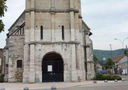 Mărturii din biserica din Normandia: Un octogenar a fost înjunghiat de patru ori şi a fost forţat de jihadişti să filmeze execuţia preotului. El s-a prefăcut mort pentru a supravieţui. FOTO