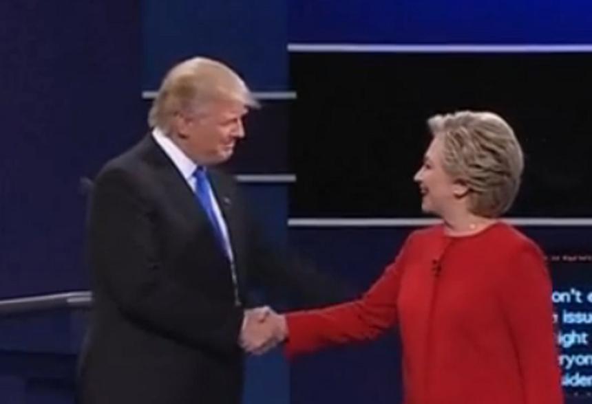 Şansele lui Hillary Clinton de a câştiga alegerile au crescut la casele de pariuri online, după prima dezbatere cu Trump