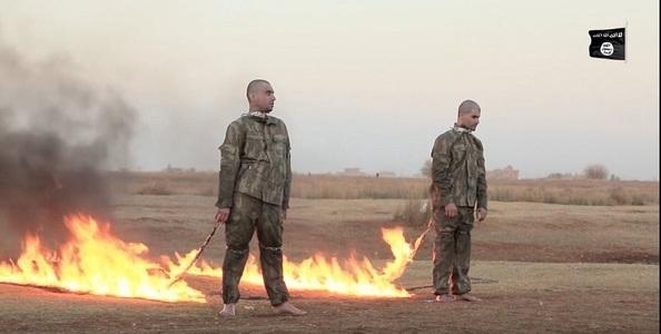 Statul Islamic publică o înregistrare video în care doi militari turci sunt arşi de vii