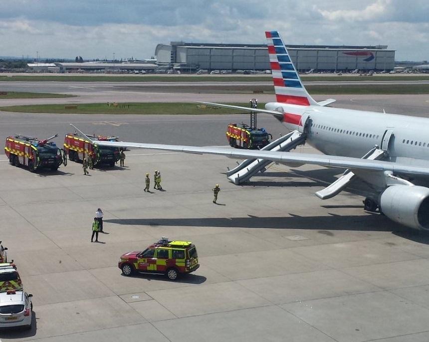 Aeroportul Heathrow din Londra a anulat 80 de zboruri din cauza condiţiilor meteo