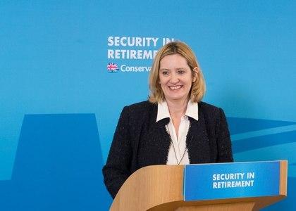 """Autorităţile britanice tratează drept """"incident xenofob"""" un discurs cu privire la imigranţi al ministrului de Interne"""