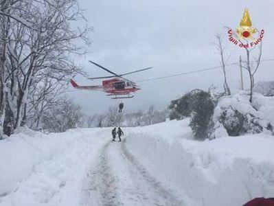 MAE: Autorităţile italiene confirmă că a fost identificat şi cel de-al treilea român minor afectat de avalanşa din Abruzzo. În prezent, copilul este în spital