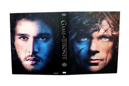 """Următorul volum din seria """"Cântec de gheaţă şi foc"""" include un personaj care """"a murit"""" în serialul """"Urzeala tronurilor"""""""