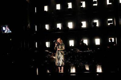 Cântăreaţa Adele a cumpărat o casă în valoare de 9,5 de milioane de dolari în Beverly Hills – presă