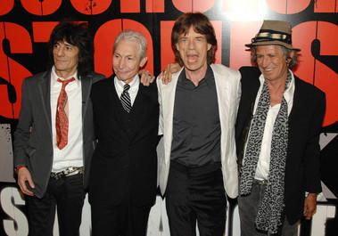 Ronnie Wood, chitarist al trupei The Rolling Stones, în vârstă de 68 de ani, a devenit tată de gemeni