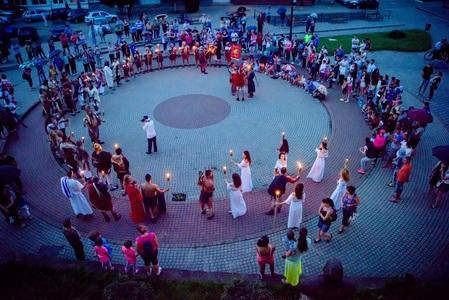 Alba: Lupte între daci şi romani, concerte în aer liber şi cascadorii ecvestre, la Festivalul Cetăţilor Dacice de la Cugir - FOTO