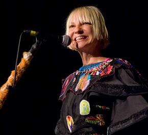 """Sia îşi împrumută vocea şi scrie cântece pentru """"My Little Pony: The Movie"""""""