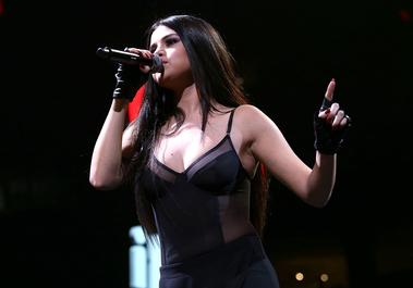 Selena Gomez îşi ia o pauză în carieră, din cauza unor atacuri de panică şi a depresiei