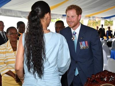 Prinţul Harry s-a întâlnit cu Rihanna, de două ori într-o singură zi, în Barbados