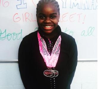 Una dintre fiicele cântăreţei Madonna a câştigat patru medalii la un concurs de gimnastică
