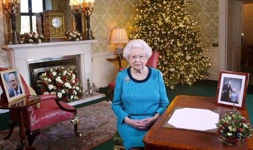 """Regina Elizabeth a II-a i-a lăudat în discursul ei de Crăciun pe """"oamenii obişnuiţi care fac lucruri extraordinare"""" şi pe sportivii din delegaţia olimpică a Marii Britanii. VIDEO"""